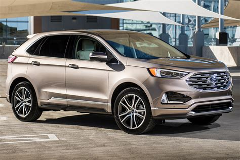 2019 Ford Suv by 2019 Ford Escape Vs 2019 Ford Edge What S The Difference