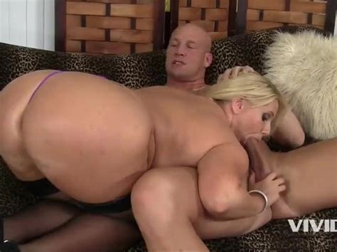 Smoking Big Ass Hot Milf Karen Wants To Fuck Her