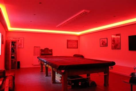 Led Lights Around Room Ceiling by What Is Feature Lighting How To Highlight Using Led Strips