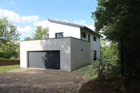 facade de porte cuisine maison à toiture monopente en tuiles noires contemporain façade toulouse par atelier