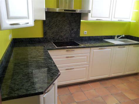 granit pour cuisine plan de travail en granit pour cuisine granit black