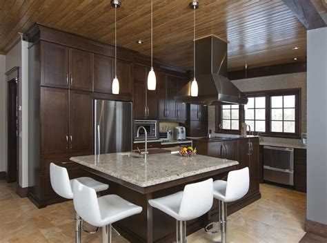 cuisine brun et blanc armoires de cuisine personnalisées cuisines bernier