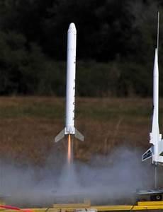 Space X Falcon 9 Model Rocket Kit