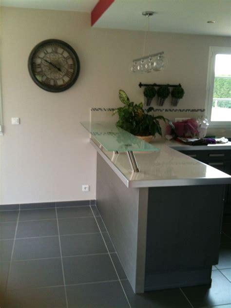 plan de travail inox cuisine construction bar de séparation cuisine et salle à manger
