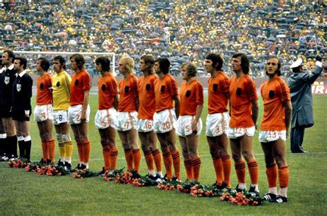 1974 Mondiali, Olanda - Germania Est 2-0 (29) - YouTube