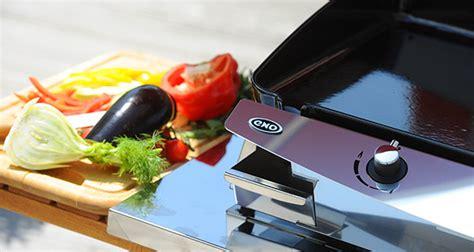 cuisiner à la plancha electrique plancha l 39 alternative au barbecue darty vous