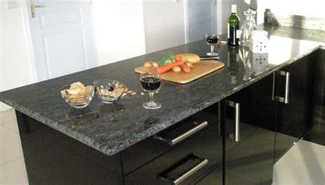plan de cuisine granit plans de travail de cuisine crédences en granit