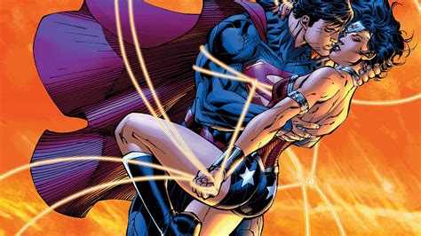 Kiss Anime Justice League Superman A Look At Wonder Woman And Lois Lane Comiconverse