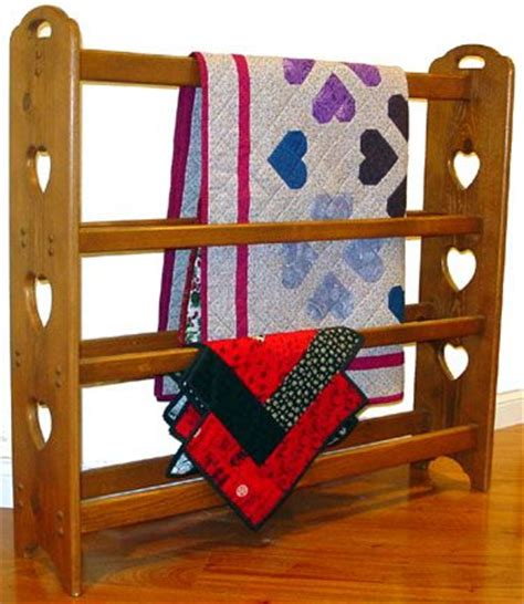 ideas  quilt racks  pinterest farmhouse quilts quilt ladder  quilt display