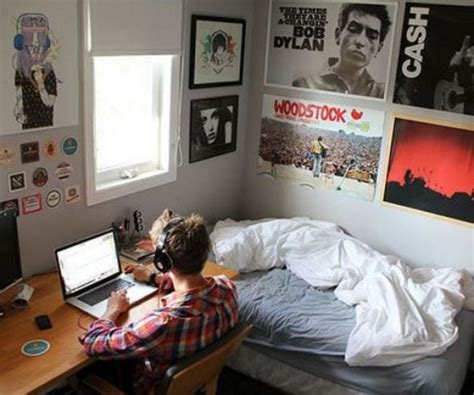 Room Ideas For Guys by 20 Items Every Needs For His College