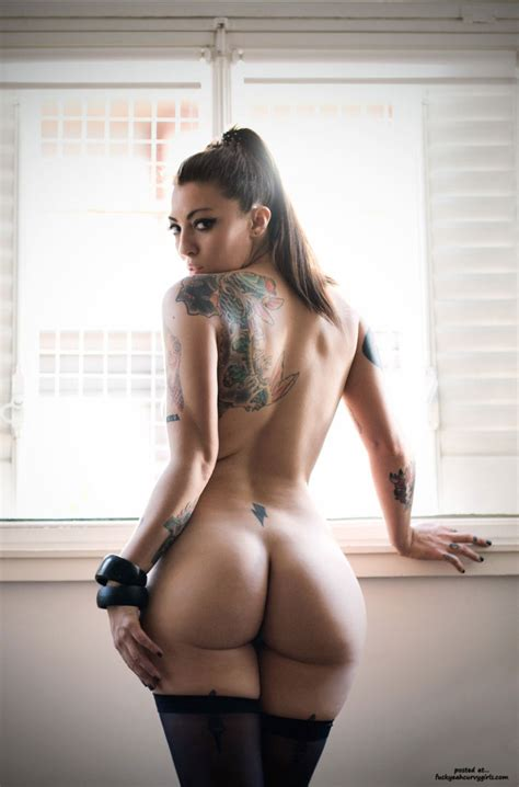 Sexy Thick Tattoo Girl Round Ass Curvy Girls Pictures Sorted By Rating Luscious