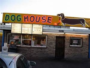 Filealbuquerque doghouse restaurantjpg wikimedia commons for The dog house albuquerque