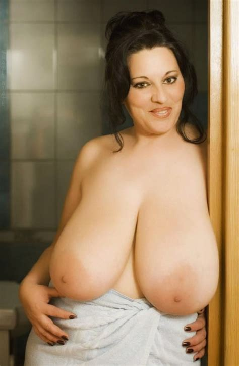 Nude Share Hugeboobs Huge Hangers