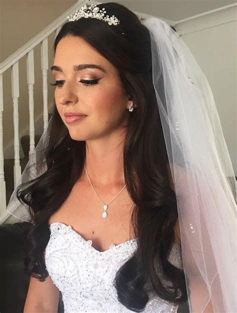popular wedding hairstyles  long hair  veil
