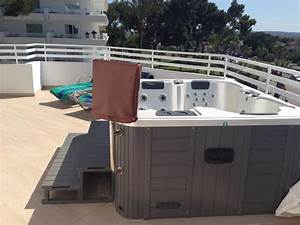 Quotbalkon mit whirlpool quot playa esperanza suites platja de for Whirlpool garten mit stahlgeländer balkon