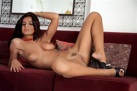 Nude 10 Actresses Amisha Patel Fakes Pics