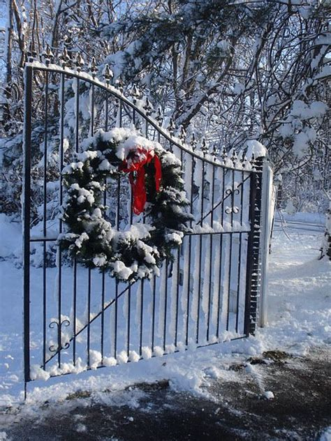 christmas driveways on pininterest the wreath on wrought iron gate wrought iron gates iron gates