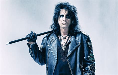 Alice Cooper releases Halloween-themed party game | NME