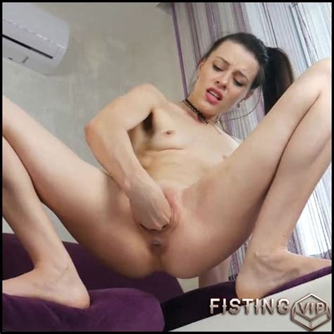 Solo Tiny Teen Pussy Squirt