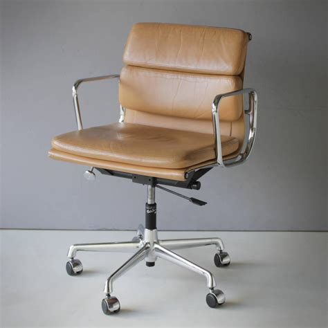 eames ea 217 soft pad chair at 1stdibs