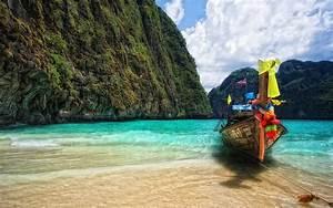 Maya Bay, Thailand - Tourist Destinations