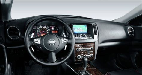 nissan maxima sv review