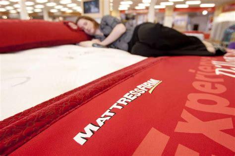 mattress firm taps  tv executive   ceo