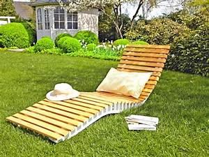 Sonnenliege Selber Bauen : gartenliege holz geschwungen mit schwungliege aus akazienholz sonnenliege relaxliege 25 und ~ Frokenaadalensverden.com Haus und Dekorationen