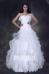 robe mariage princesse robe de mariée princesse décolleté en cœur à traîne chapel ruchée à volants persun fr