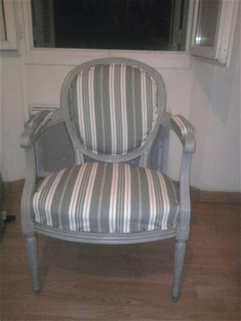 mobilier table galon tapissier pour fauteuil