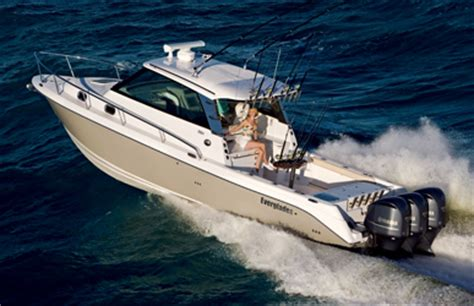 Scout Boats Vs Everglades Boats by Everglades 350ex Vs Pursuit Os345 The Hull