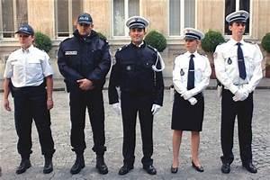 Uniforme Police Nationale : photos de voitures de police page 94 auto titre ~ Maxctalentgroup.com Avis de Voitures