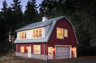 Pole Barn Garage with Apartment