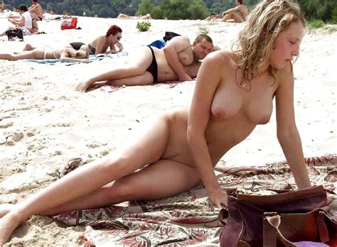 The Most Brave Teens Only One Naked At Beach Pics Xhamster
