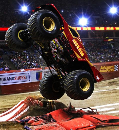 how long does a monster truck show last monster jam photos milwaukee wisconsin january 21 2012