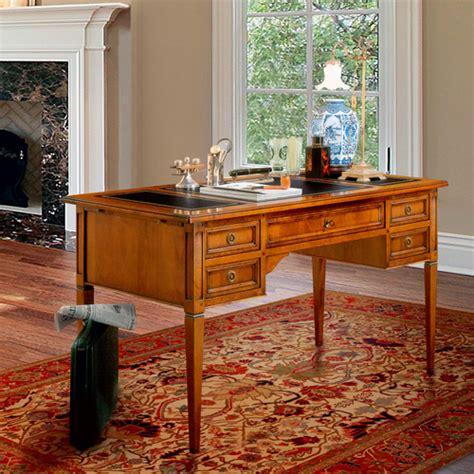 scrivanie classiche in legno scrivanie classiche in legno trendy scrivania sagomata