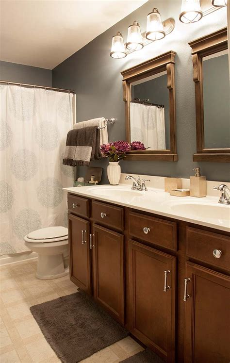 Home Depot Bathroom Makeover by Bathroom Makeover On A Budget The Home Depot