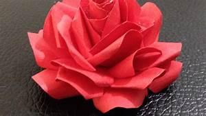 Rose Aus Serviette Drehen : entz ckende papierrosen basteln diy crafts guidecentral youtube ~ Frokenaadalensverden.com Haus und Dekorationen