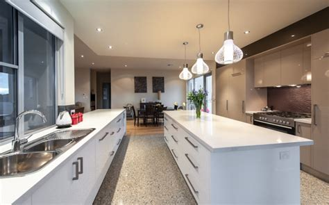 Contemporary Kitchens   Inavogue