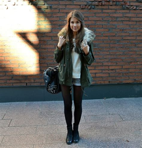 Black tights and shorts Outfit inspiration