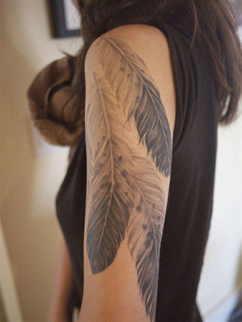realistic feathers tattoo