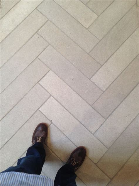 Iron blasted Dalle de France ?Branly? limestone floors in