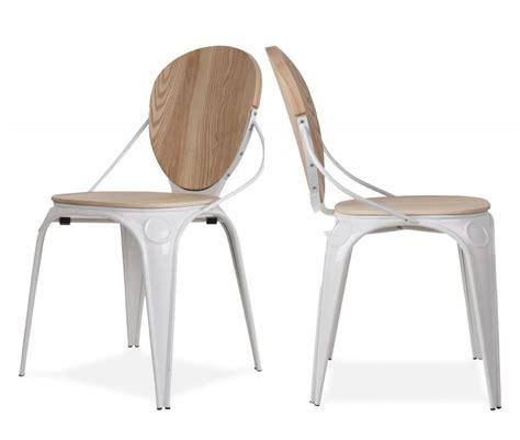 chaise blanc et bois 17 idées déco de chaises en bois esprit scandinave