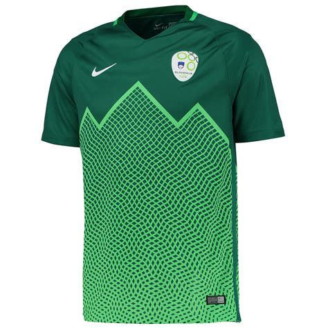Slovenia 2016 Nike Away Football Shirt | 16/17 Kits ...