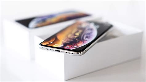 iphone model  feature smaller notch apple