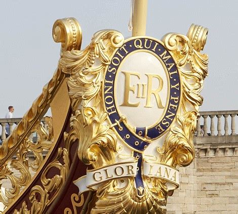Row The Boat Motto by Gloriana Rowbarge Will Lead Pageant Of 1 000 Boats In