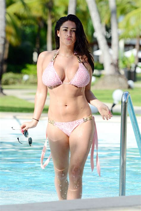 Casey Batchelor Sexy 17 Photos Thefappening