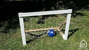 Cage Foot Enfant : fabriquer un but de foot en bois de palettes bricolage facile ~ Teatrodelosmanantiales.com Idées de Décoration