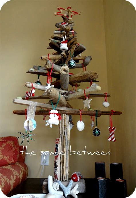 Diy Driftwood Christmas Tree {with Homemade Ornaments