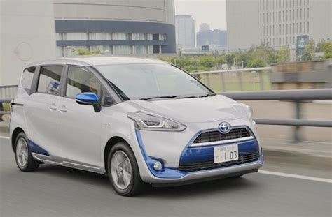 Toyota Sienta Hd Picture by Japan Best Selling Cars
